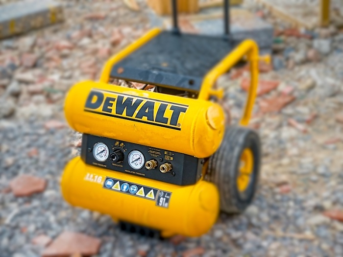 dewalt-dpc16ps-high-performance-jobsite-compressor-16-litre-range_b.jpg