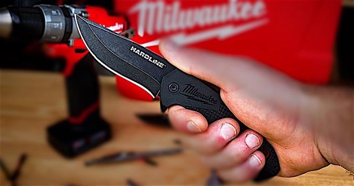 Milwaukee-Hardline-Smooth-Blade-Pocket-Knife-04.jpg